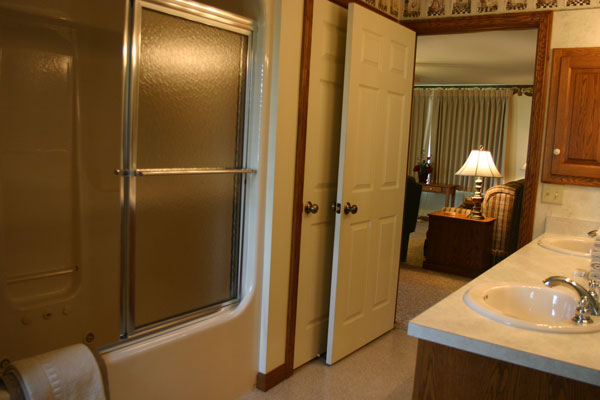 two-bedroom-suite-bath-room