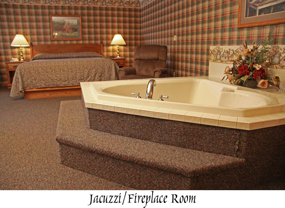 jacuzzi-fireplace-room-3919